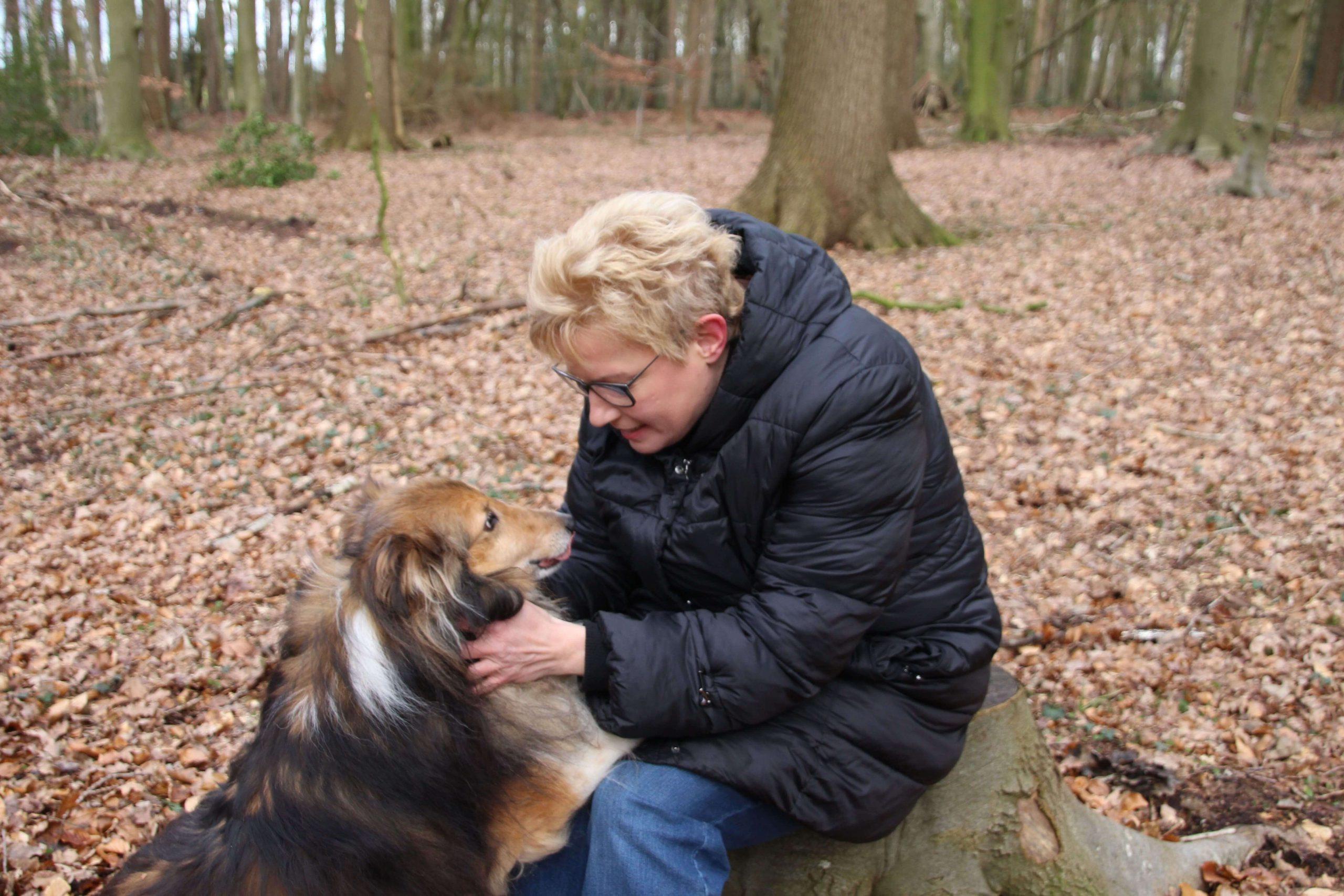 Tierkommunikation: Nicole im Gespräch mit einem Sheltie